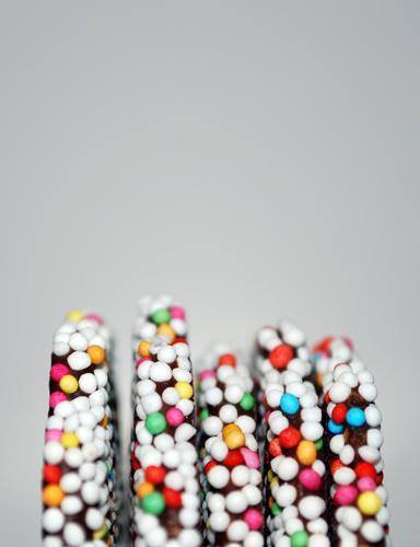 Kindheitserinnerung II Weihnachten & Advent Schokolade Perle mehrfarbig braun Süßwaren süß Zucker Lebensmittel Ernährung lecker Zuckerperlen glänzend