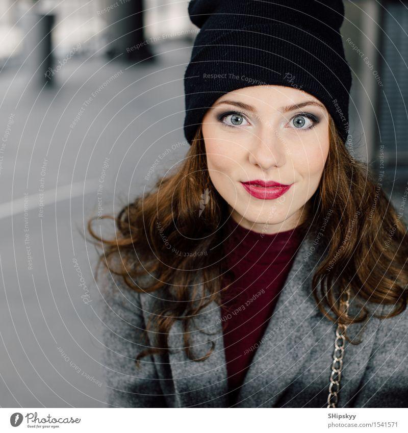 Mensch Frau schön Farbe Mädchen Gesicht Erwachsene Auge Lifestyle Business Arbeit & Erwerbstätigkeit Büro modern sitzen Lächeln Fotografie