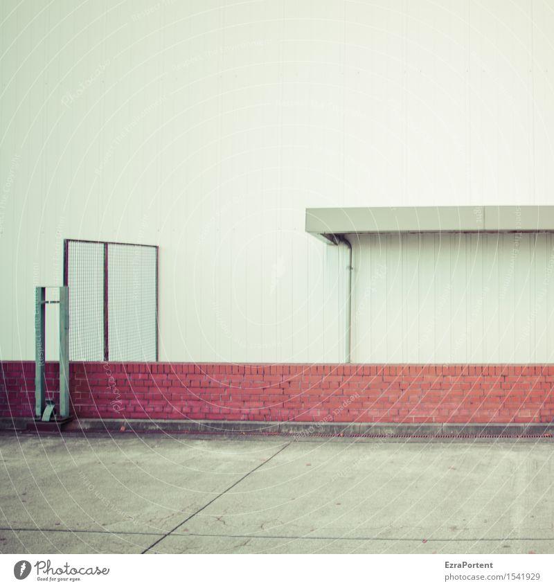. Stadt Haus Industrieanlage Bauwerk Gebäude Mauer Wand Fassade Dachrinne Stein Beton Metall Linie grau Traurigkeit Fallrohr Backstein Tor Suizidalität Ende