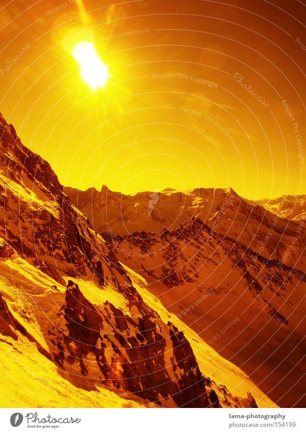 Orange Snow orange Berge u. Gebirge Sonne Schnee Mars Marslandschaft Planet Gegenlicht Panorama (Aussicht) Gipfel Felsen Tiefschnee Schneebrille