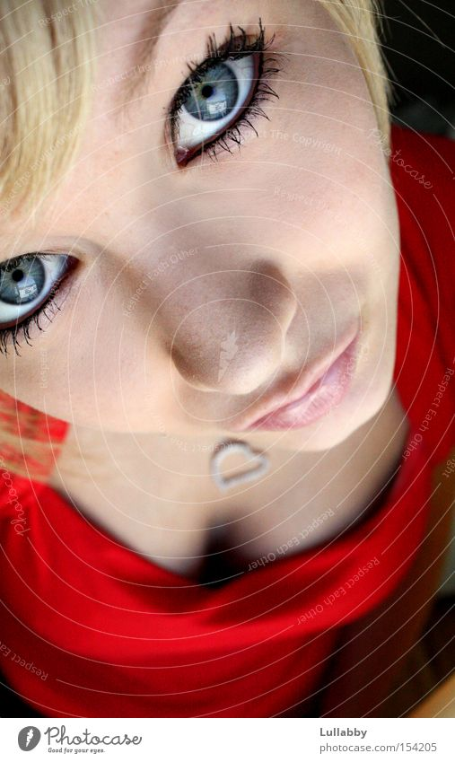 behind blue eyes :) Frau blond rot Gesicht Dame Auge blaue Augen Nase