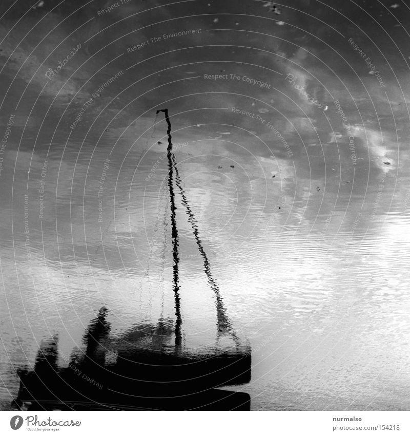 Fahrt in das Ungewisse Wasserfahrzeug Schatten Spiegel Segel Hafen fahren Mast Kapitän Sturm reffen Jolle Spielen Schifffahrt Holzboot Havel