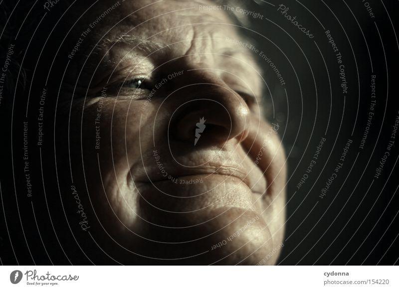 Schöne Erinnerungen Frau Mensch schön alt Gesicht Auge Leben Gefühle Hoffnung ästhetisch Zukunft Erinnerung Charakter Erfahrung