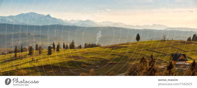 Himmel Natur Ferien & Urlaub & Reisen blau grün Baum Landschaft Wolken Haus Wald Berge u. Gebirge gelb Straße Frühling Wiese Schnee