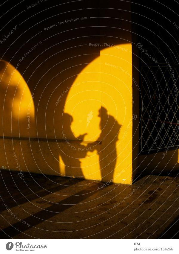 arc Mensch Freude sprechen Architektur Kommunizieren Schatten Clown Bogen Torbogen Arkaden stilistisch