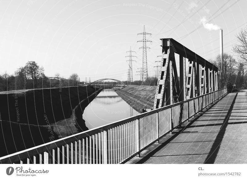 brücke und kanal Energiewirtschaft Industrie Umwelt Natur Landschaft Wolkenloser Himmel Schönes Wetter Flussufer Architektur Verkehr Verkehrswege Wege & Pfade