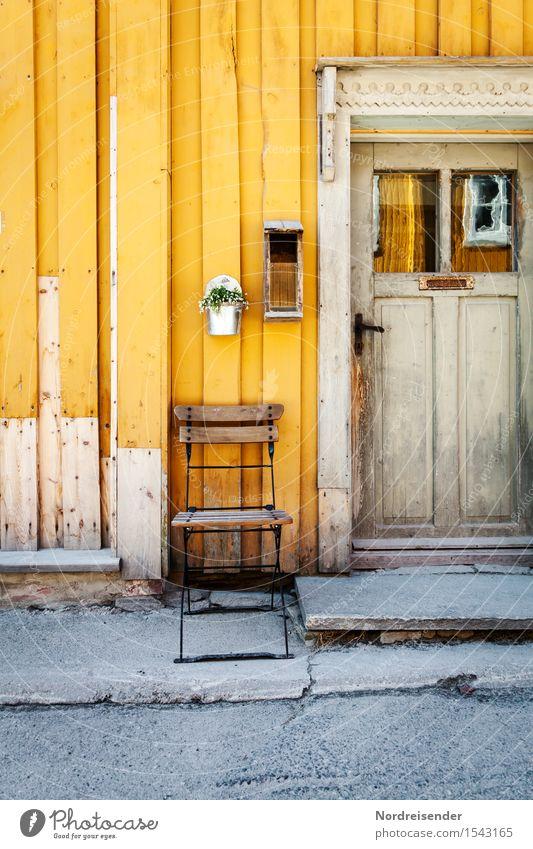 Beschaulich Stadt alt Erholung ruhig Haus Ferne Fenster Straße Architektur natürlich Fassade Häusliches Leben Tür Dekoration & Verzierung retro Romantik