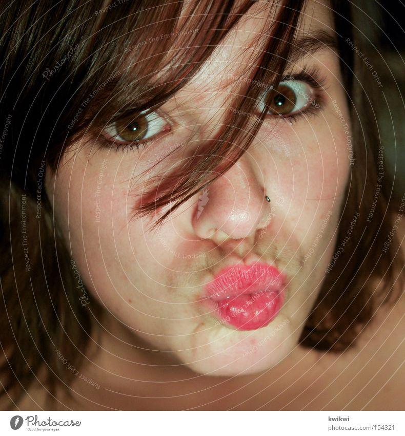 schnute II Frau schön Sommer Gesicht Liebe Auge Mund lustig Lippen Küssen Grimasse Kussmund