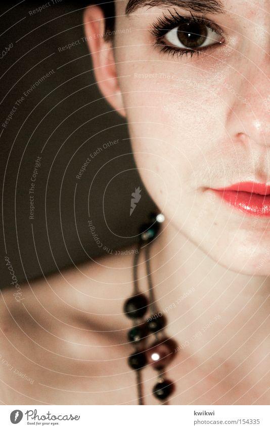was ne frau! Frau schön Gesicht Auge ästhetisch Lippen Dame Kosmetik Kette Lippenstift
