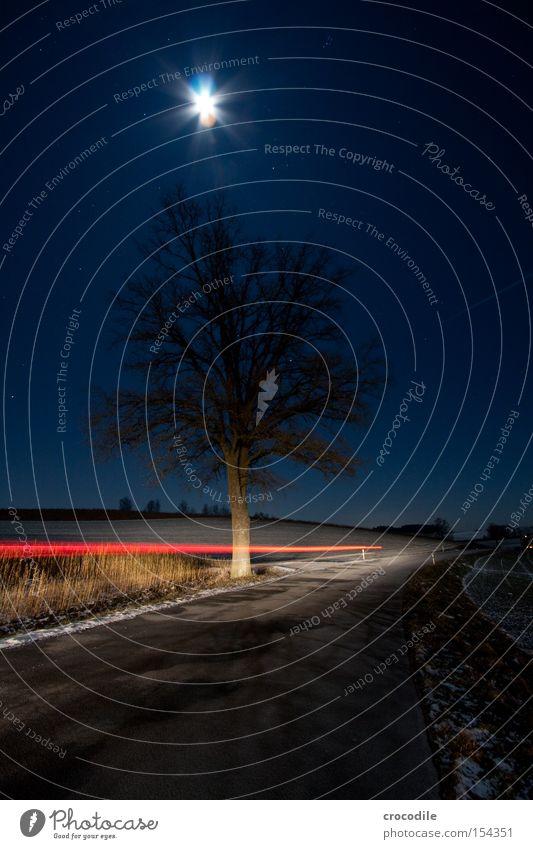 Mondschein V Feld Landwirtschaft Stern (Symbol) Nacht Winter kalt Romantik Bayern gefroren KFZ Autoscheinwerfer Baum Einsamkeit Rücklicht Langzeitbelichtung