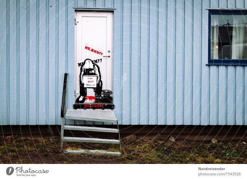 Streetart Künstler Dorf Fischerdorf Kleinstadt Stadtrand Menschenleer Haus Bauwerk Gebäude Architektur Mauer Wand Treppe Fassade Fenster Tür Schriftzeichen