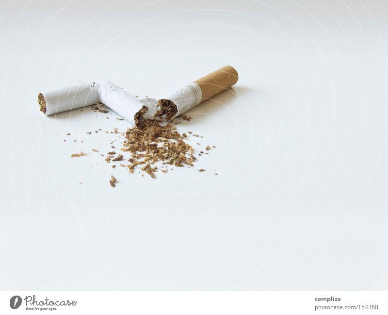 stop smoking! Gesundheit Rauchen Bar Cocktailbar Gastronomie genießen kaputt diszipliniert Zerstörung Zigarette Rauchen verboten Nichtraucher zuletzt