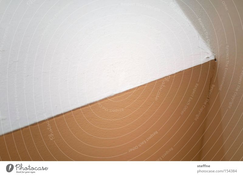 400, Tendenz steigend Pfeil Geometrie Linie reduziert sehr wenige Wand Decke Ecke Richtung aufwärts vorhersagen positiv Detailaufnahme trendy