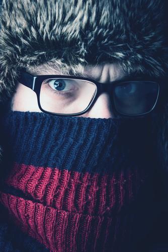 verdammt kalt Mensch Ferien & Urlaub & Reisen Jugendliche Mann Winter 18-30 Jahre Gesicht Erwachsene Auge maskulin Eis Klima Abenteuer Brille Frost
