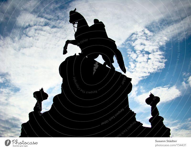 Himmelsreiter III Dresden Semperoper Sommer Meteorologie Wolken Altokumulus floccus Statue Deutschland Pferd Denkmal Wahrzeichen Sightseeing Kunst historisch