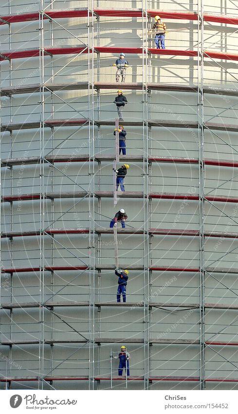 Men at work : Münster alter Kohlebunker_03 Arbeit & Erwerbstätigkeit Industrie Reinigen Kreativität Handwerk bauen Nordrhein-Westfalen Gerüst Arbeiter