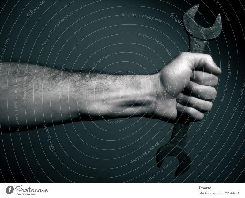 Hand und Maulschlüssel Werkzeug Arme Handwerk Schlosser Metall Metallwaren Reparatur Schraube schrauben Kraft