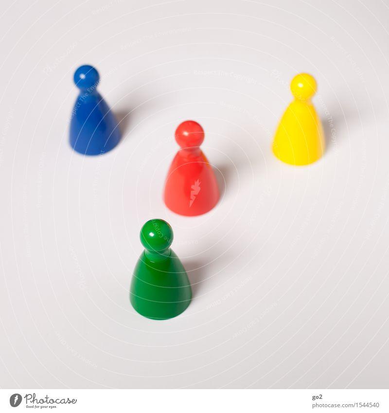 Bunte Kegel blau grün rot gelb sprechen Spielen Freizeit & Hobby Kommunizieren einzigartig Team Partnerschaft Sitzung Teamwork Identität Konkurrenz Kinderspiel