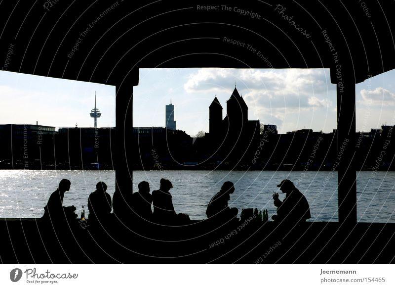 Sitzgruppe Stadt Freude Menschengruppe Köln Picknick Flussufer Silhouette Sitzreihe Rhein
