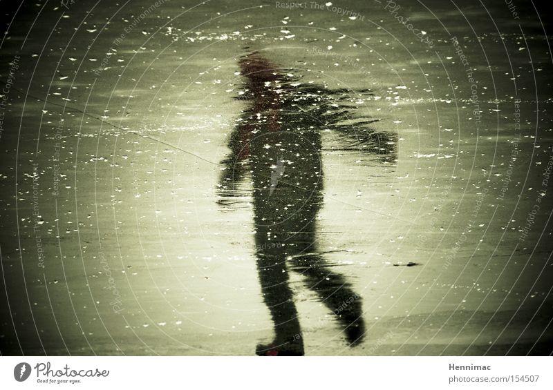 Eisgeist I Reflexion & Spiegelung Spiegelbild Geister u. Gespenster unheimlich Winter kalt gefroren Mensch Silhouette Unschärfe Oberfläche Strukturen & Formen