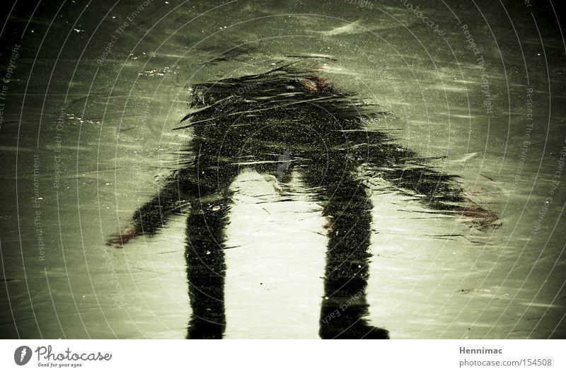 Eisgeist II Reflexion & Spiegelung Spiegelbild Geister u. Gespenster unheimlich Winter kalt gefroren Mensch Silhouette Unschärfe Oberfläche Strukturen & Formen