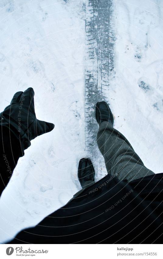aufs glatteis geführt Mensch Mann Winter Schnee Eis Schuhe Beine Spuren Anzug Dienstleistungsgewerbe Rennbahn Reifen Karriere Glätte Bahn Lebenslauf