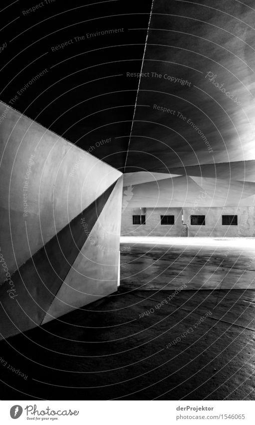 Kanten und Ecken Ferien & Urlaub & Reisen Haus Winter Fenster Architektur Wand Gebäude Mauer Tourismus grau Linie Ausflug Sauberkeit Neugier entdecken Bauwerk