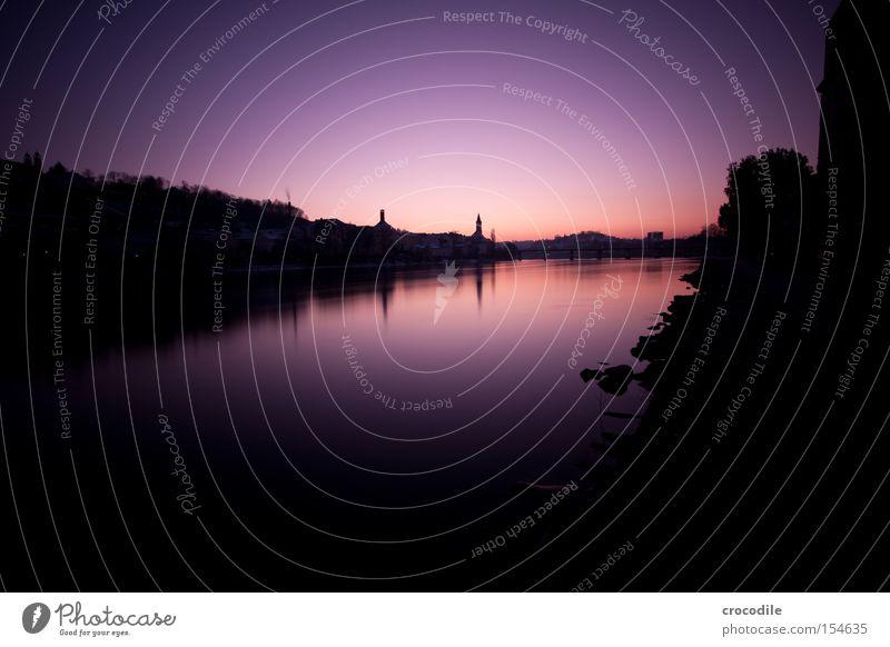 Inn schön Winter dunkel Felsen Kirche Fluss Turm violett Sonnenuntergang Langzeitbelichtung Flussufer Naher und Mittlerer Osten Passau