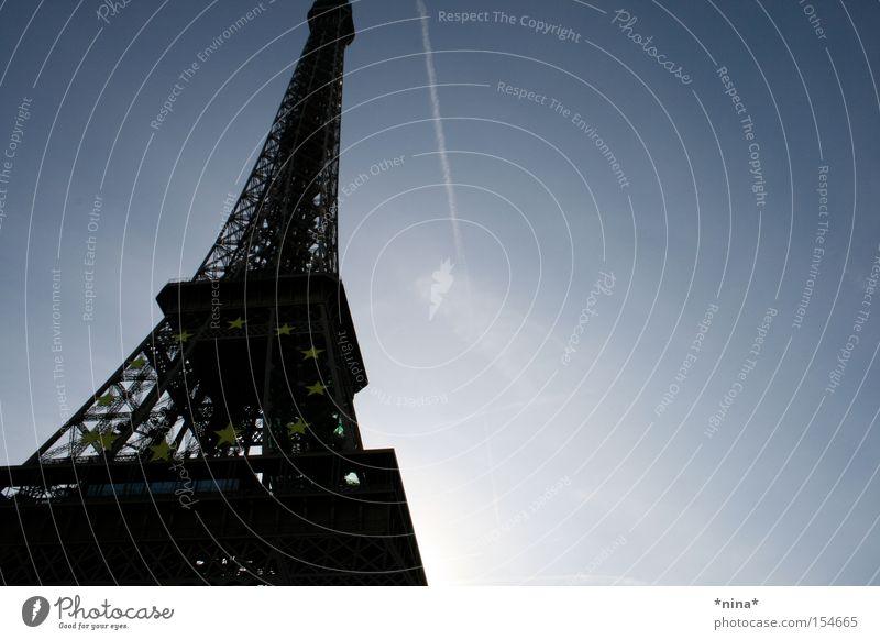 La Tour Eiffel.2. Paris Denkmal Wahrzeichen Blauer Himmel Tour d'Eiffel