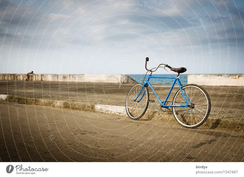 Inseltagträume Mensch Kind Himmel Jugendliche Meer Einsamkeit Wolken Straße Traurigkeit Küste Junge Horizont maskulin träumen Fahrrad Kindheit