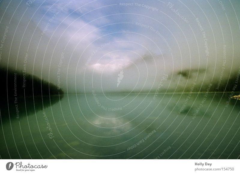 Außer Nebel nix gewesen See Berge u. Gebirge Schleier Wolken Alberta Banff National Park Lake Luise Wasser Reflexion & Spiegelung Nationalpark Öffnung Himmel