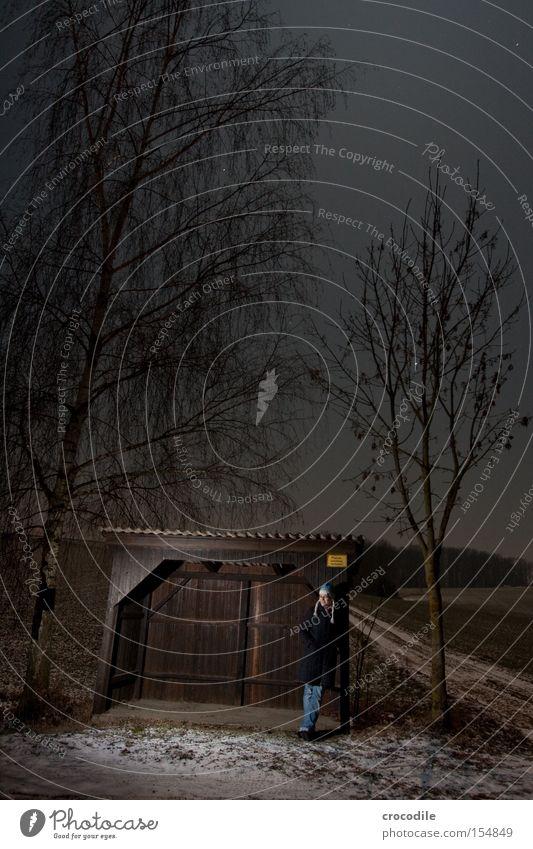 Still waiting.. Nacht dunkel Frau Einsamkeit Natur Wege & Pfade Straße Wartehäuschen Mütze warten Schatten lachen Freude Langzeitbelichtung schön