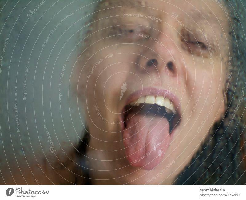 zunga Frau Wasser nass Erfrischung Zunge Wassertropfen Zähne Unter der Dusche (Aktivität)