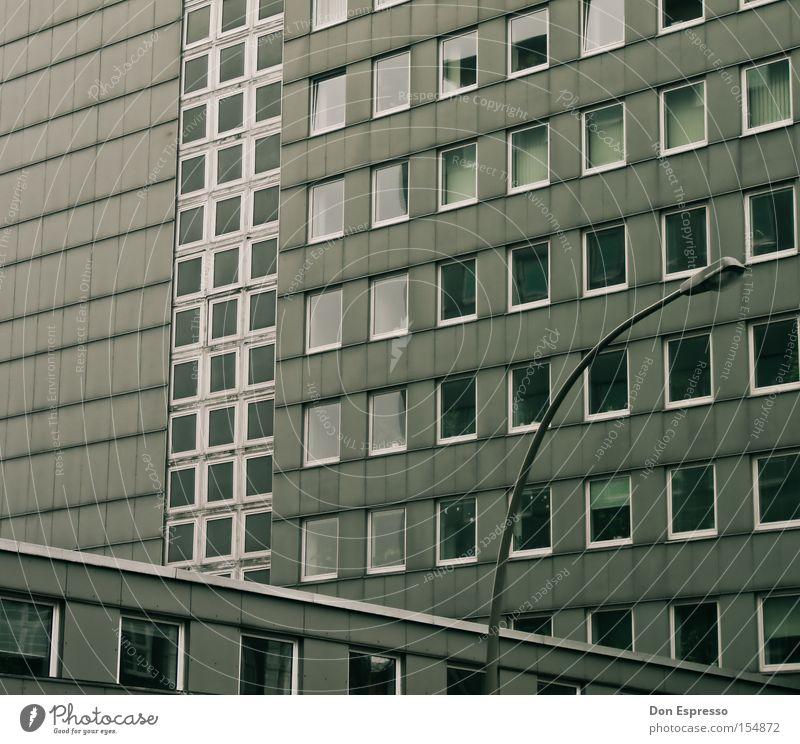 PLATTE TOTAL Haus Fenster grau Traurigkeit Hochhaus Hamburg trist einfach Gewalt Laterne Langeweile Stadtteil Plattenbau Ödland Ghetto Wohnhochhaus