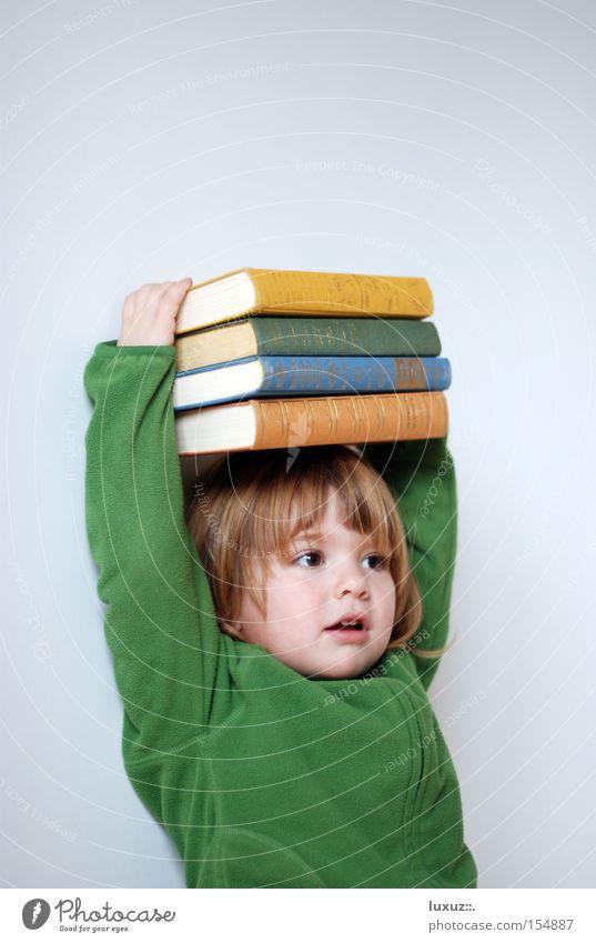 Hoch hinaus lernen Vorschule Bildung Buch Müdigkeit Zufriedenheit Leistung Kind Druck Konzentration Spielen PISA-Studie fördern Schule lehrplan frühförderung