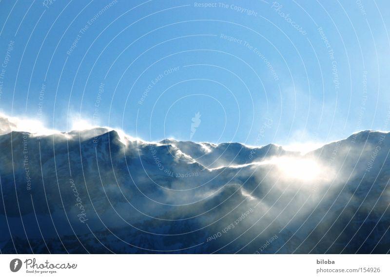 Schneegestöber Natur Sonne Winter kalt Berge u. Gebirge Schnee Eis Wind Urelemente Gipfel Sturm Pulverschnee