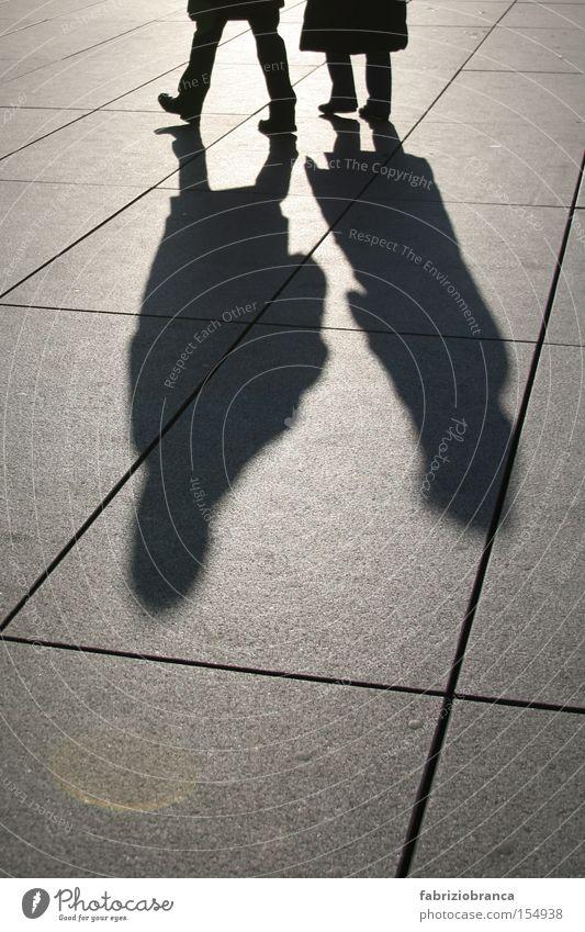 Schatten Licht Mensch Fliesen u. Kacheln Paris Frankreich Bodenbelag Fuß laufen