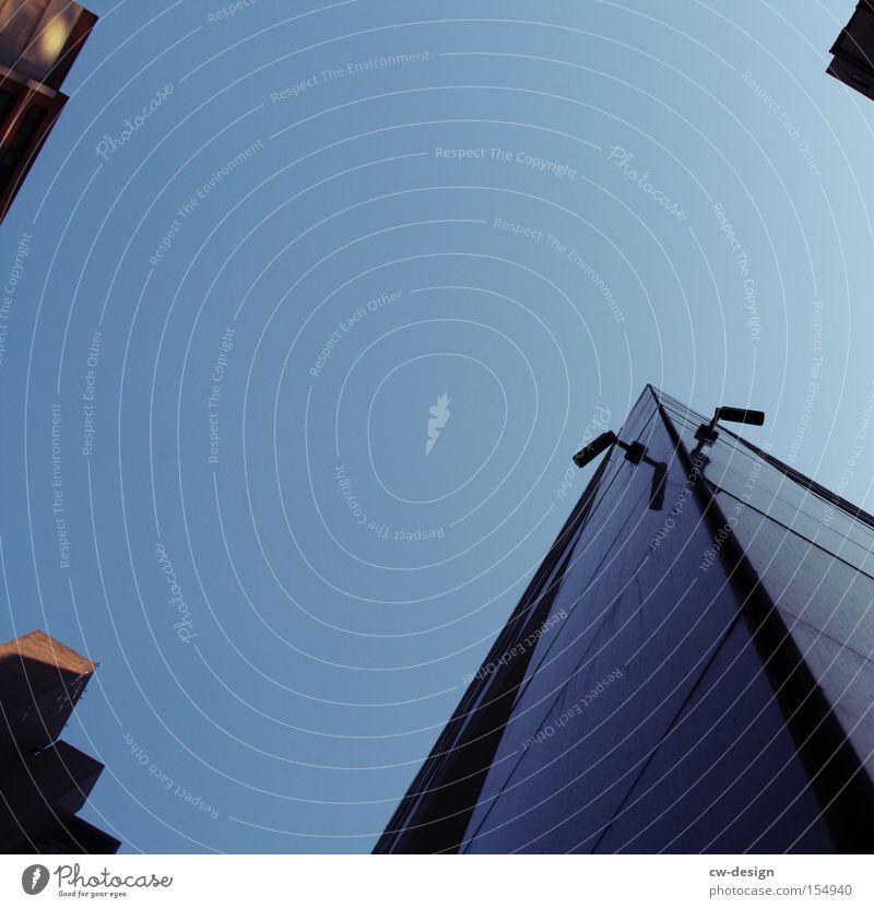 WIRED NEW YORK Himmel Hochhaus Telekommunikation Fotokamera Videokamera Respekt Vorsicht New York City Überwachung Überwachungsstaat überwachen Webcam