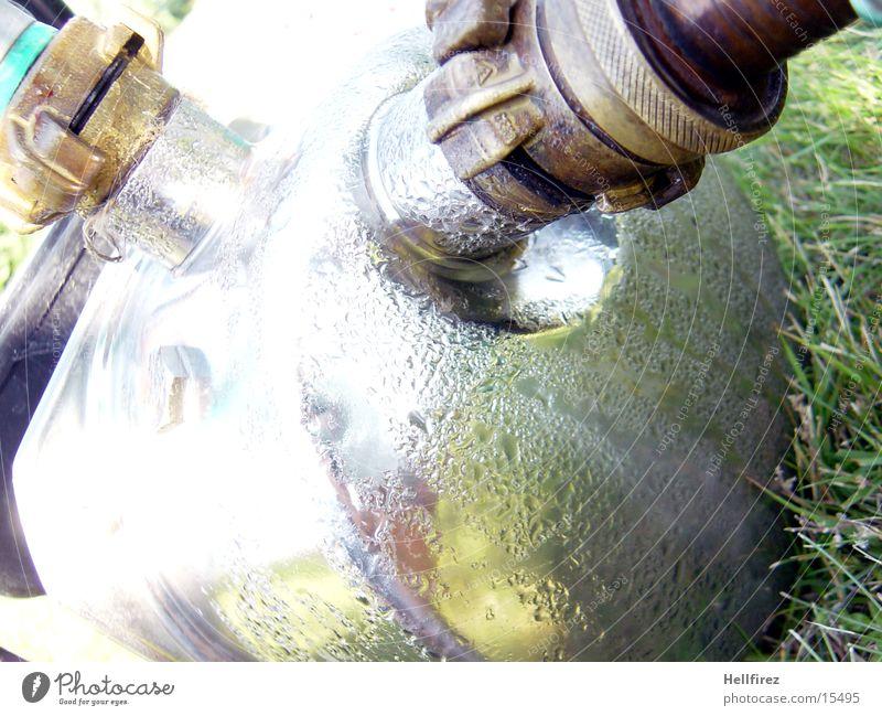 Pumpe [4] Schlauch Wassertropfen Gras Dinge Garten