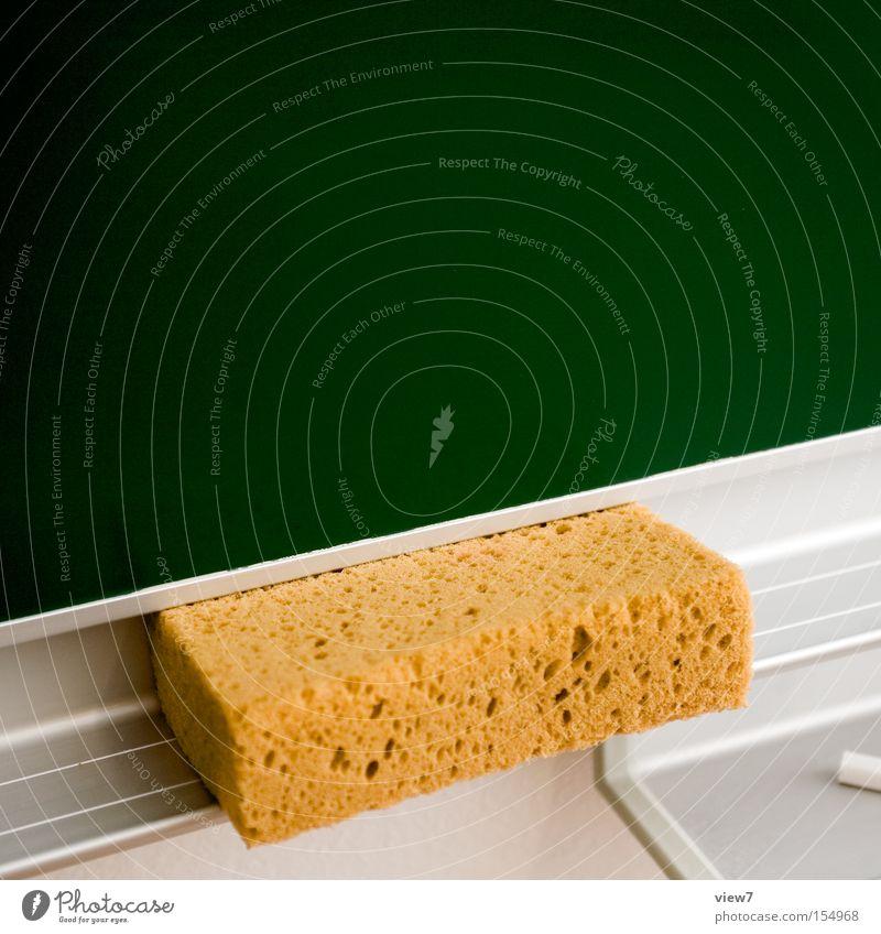 Schultafel mit schwamm leer  Leerstoff grün Wand Schule - ein lizenzfreies Stock Foto von Photocase