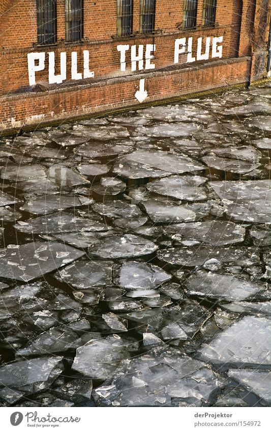 Mein lieber Scholli Eis Berlin Spree Redewendung Text Wand Wasser Winter kalt Brücke Grundbesitz