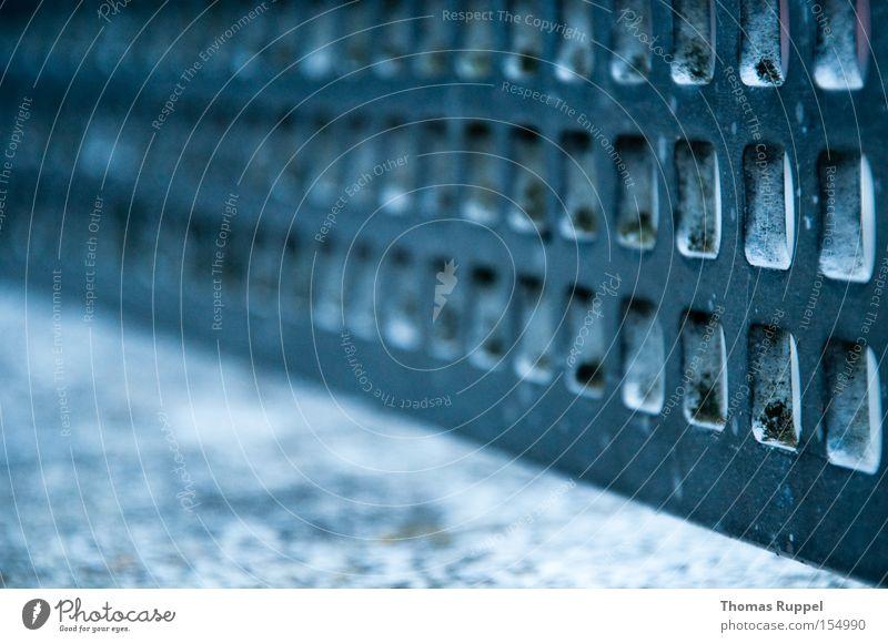 Stahlnetz blau kalt Spielen grau Macht Stahl Grenze Loch eng Gitter hart platt Tischtennis regelmässig