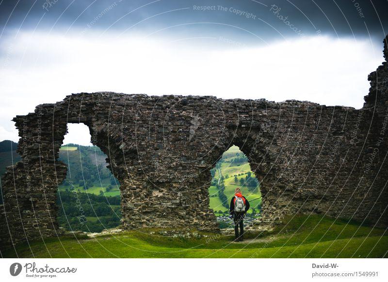 Mauern aus vergangener Zeit Mensch Natur Ferien & Urlaub & Reisen Jugendliche Mann Junger Mann Landschaft Ferne Reisefotografie Erwachsene Wand Leben Freiheit