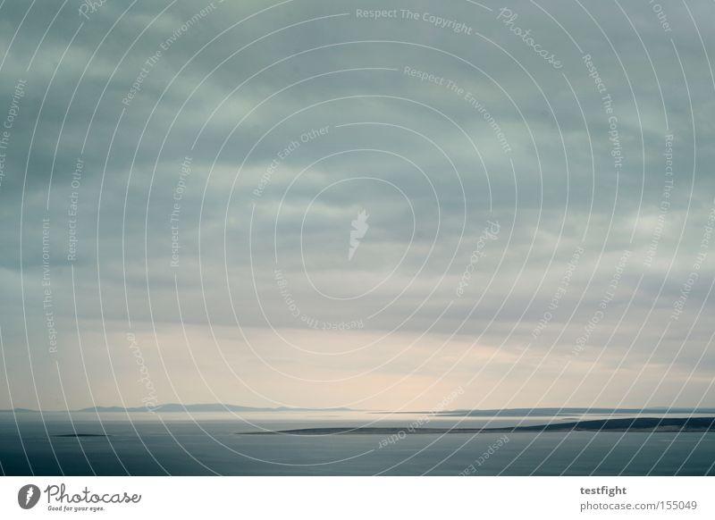 shore leave Himmel Meer Strand Wolken Einsamkeit Ferne grau Stimmung Küste Insel Fernweh bedeckt Wolkenhimmel Wolkendecke