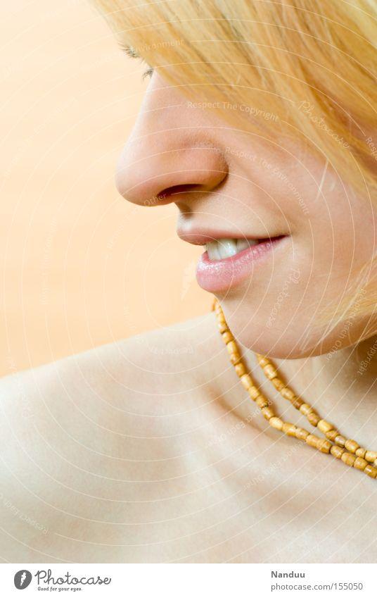 seidig Frau Mensch Jugendliche schön Erwachsene Gesicht Erholung feminin lachen hell Mund Haut Nase ästhetisch Lifestyle