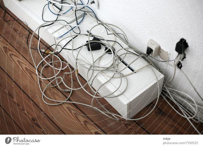 Kabelsalat Telefonkabel Buchse Verbindungstechnik Elektrizität Technik & Technologie Telekommunikation chaotisch unordentlich durcheinander wickeln Farbfoto