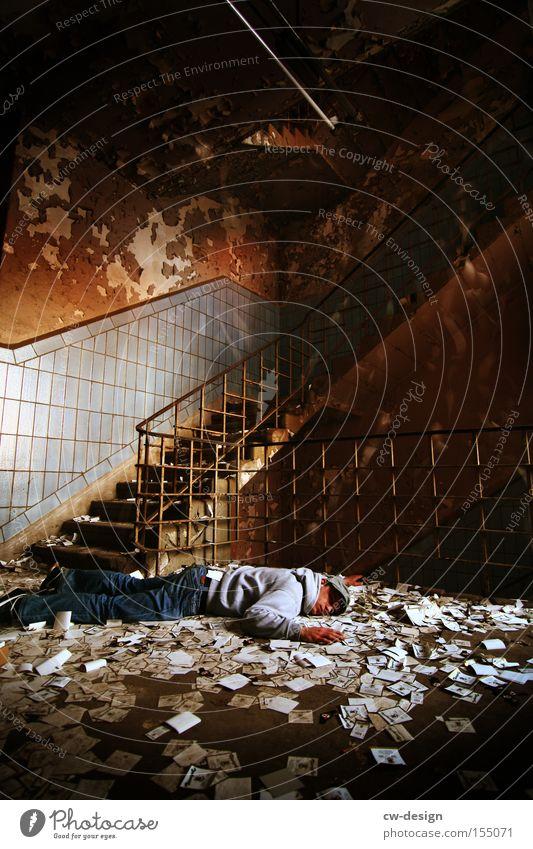 550th - CHILLEN alt Erholung träumen schlafen Boden Bodenbelag liegen verfallen Langeweile Flur chaotisch Unfall Treppenhaus Schwäche ausgebrannt Schlafmangel