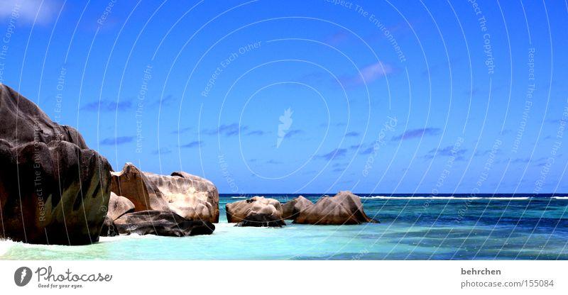 paradies Seychellen Paradies Trauminsel Wasser Meer Strand blau Felsen Stein Ferien & Urlaub & Reisen Flitterwochen genießen Wolken Himmel Küste traumhaft schön