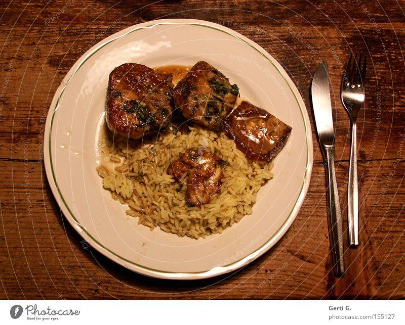umgetauft Zufriedenheit Ernährung Kochen & Garen & Backen Speise Gastronomie Teller Gemüse Messer Gabel Reis Saucen Holztisch Tisch Fenchel Gratin Leibgericht