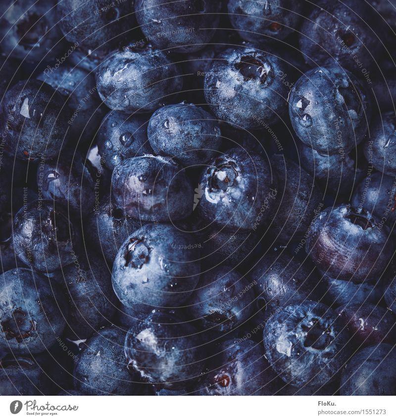 Blaue Beeren Lebensmittel Frucht Ernährung Bioprodukte Vegetarische Ernährung frisch Gesundheit lecker natürlich rund saftig blau schwarz Farbe Blaubeeren